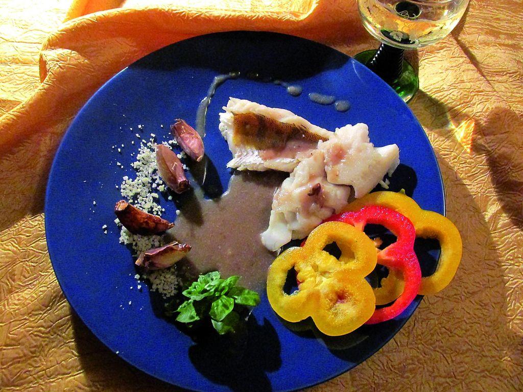 Sandacz w czerwonym winie – Tygodnik Angora