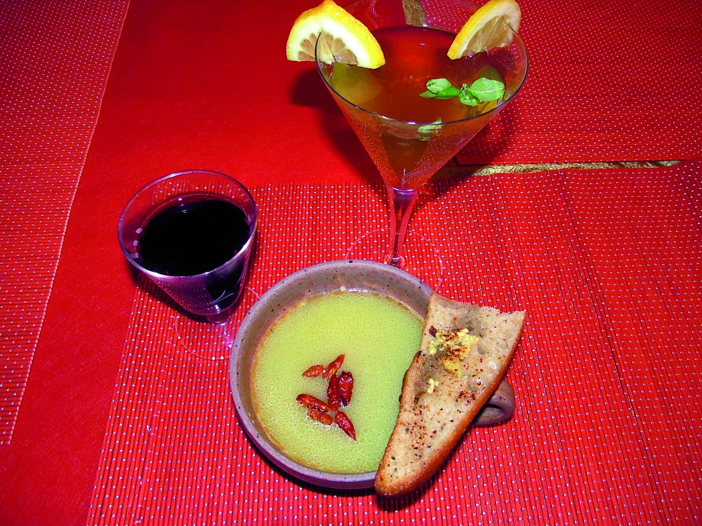 Zupa cebulowa i odlotowy koktajl – Tygodnik Angora