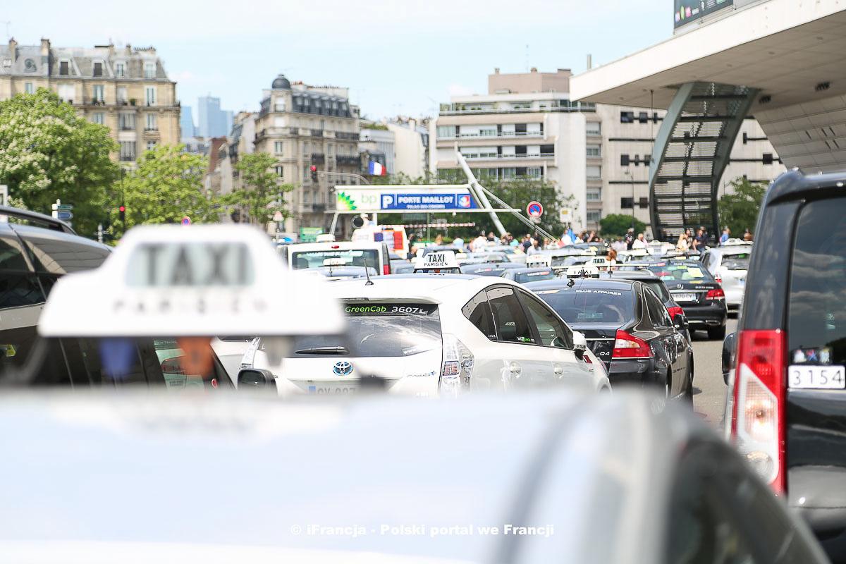 Protesty taksówkarzy w Paryżu – Fotoreportaż