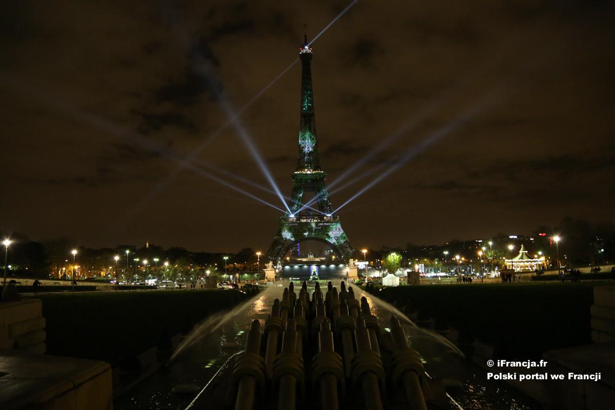 Wieża Eiffla « ubrana » na COP21