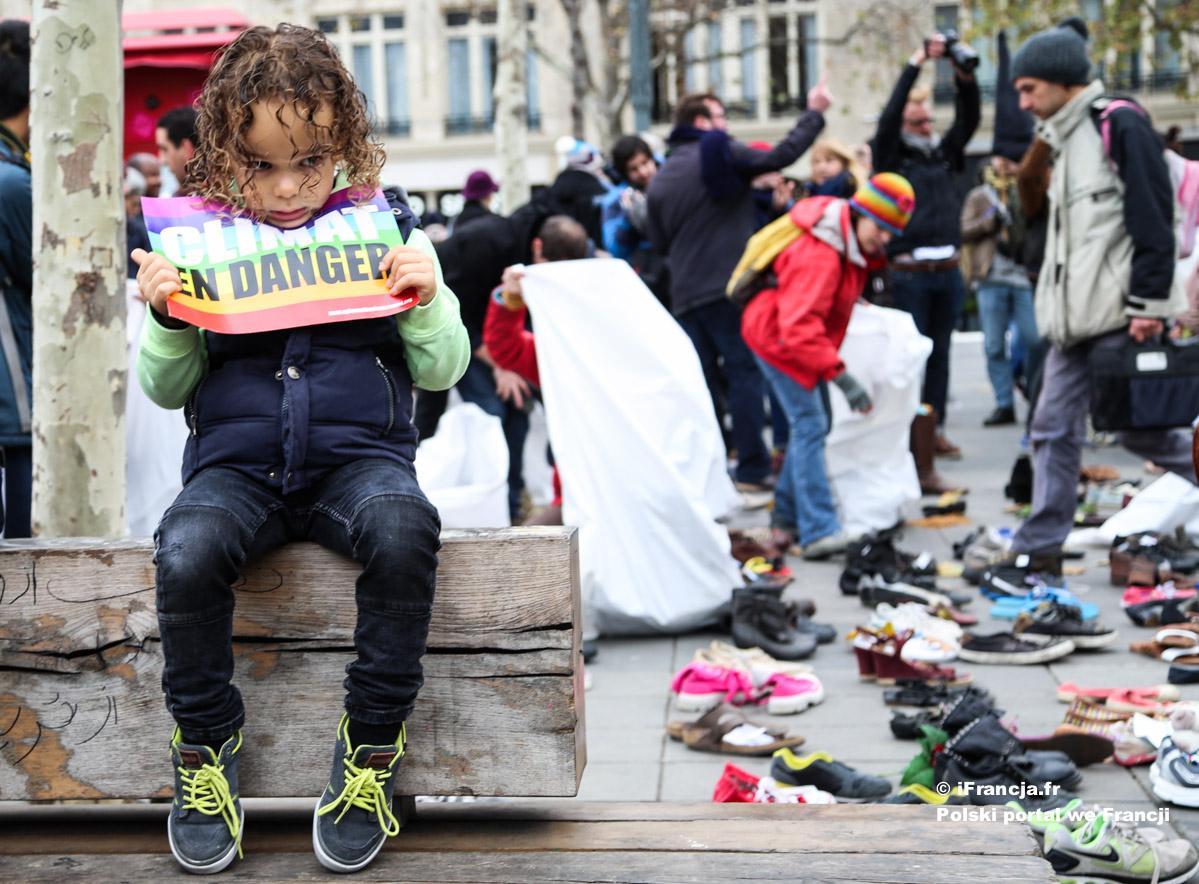Demonstracje w Paryżu przed COP21