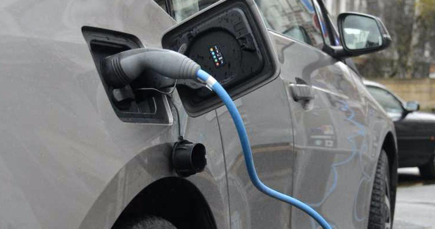 Belib' nowe terminale do ładowania pojazdów elektrycznych w Paryżu