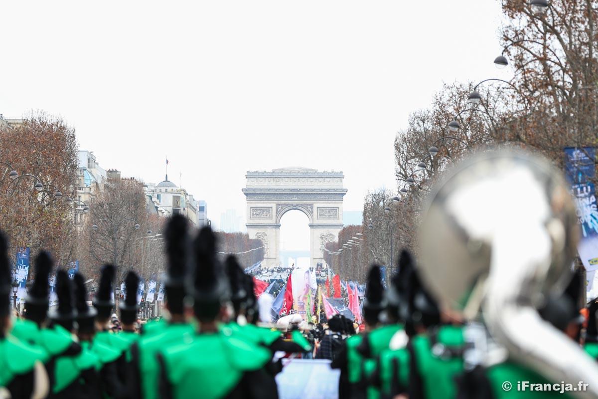Parada noworoczna na Polach Elizejskich – Fotoreportaż