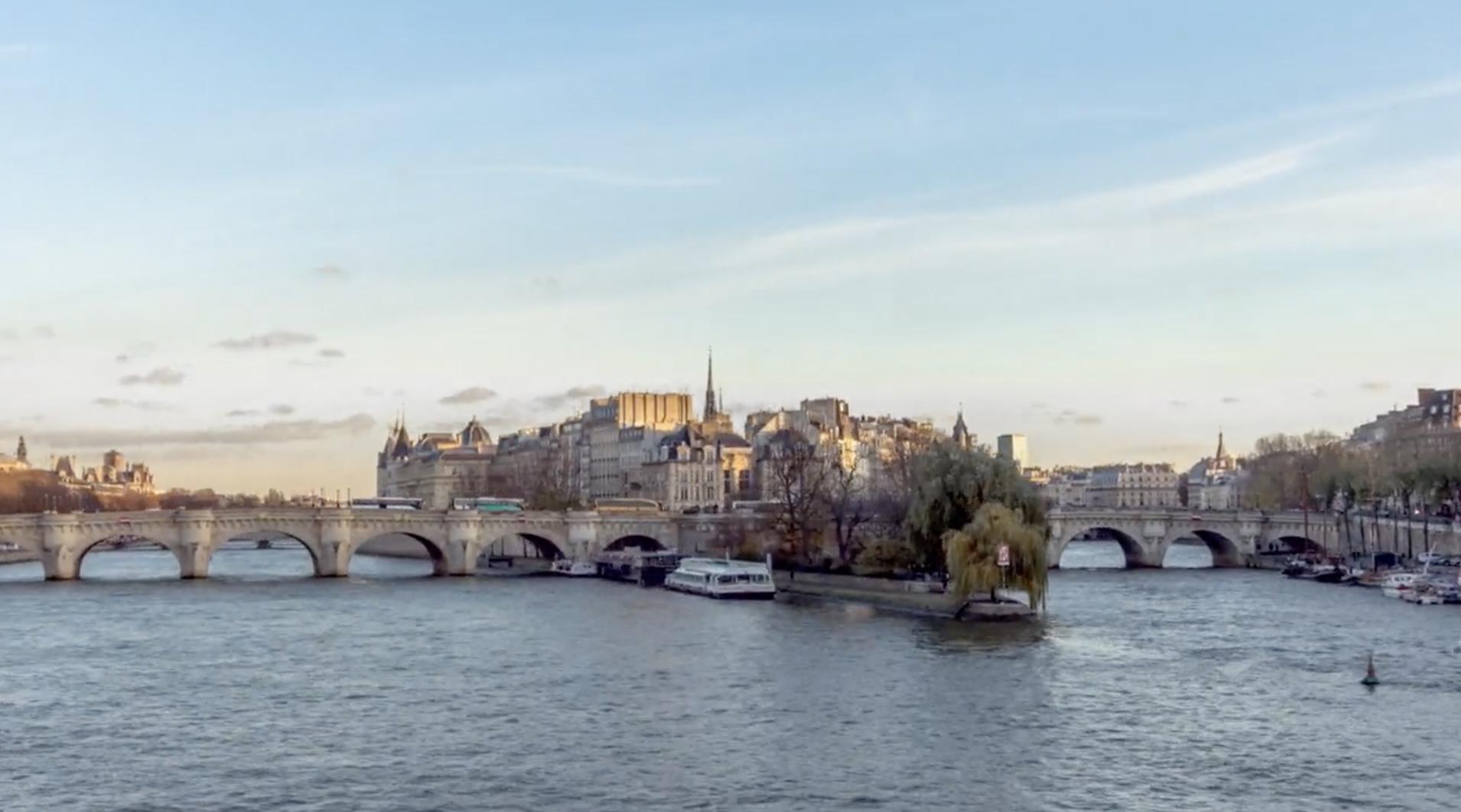 Przepiękny film o Paryżu