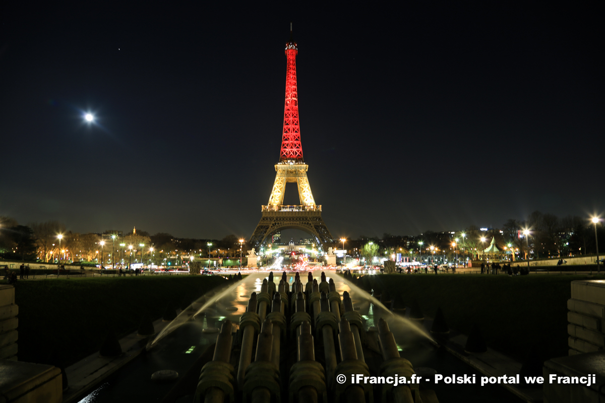 Wieża Eiffla w barwach Belgii w hołdzie ofiarom zamachów terrorystycznych w Brukseli