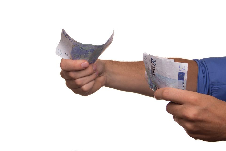 Zarobki a koszty utrzymania – Francja na słabej pozycji