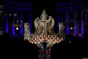 Kolędy w wykonaniu Zespołu Pieśni i Tańca Mazowsze – Koncert w Paryżu