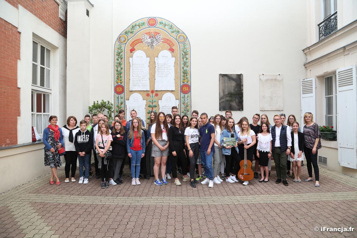 Uczniowie Szkoły Podstawowej nr 1 w Kolbuszowej odwiedzili uczniów Polskiej Szkoły w Paryżu