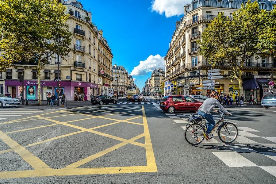 Niedzielny handel w Paryżu: Kolejne strefy turystyki