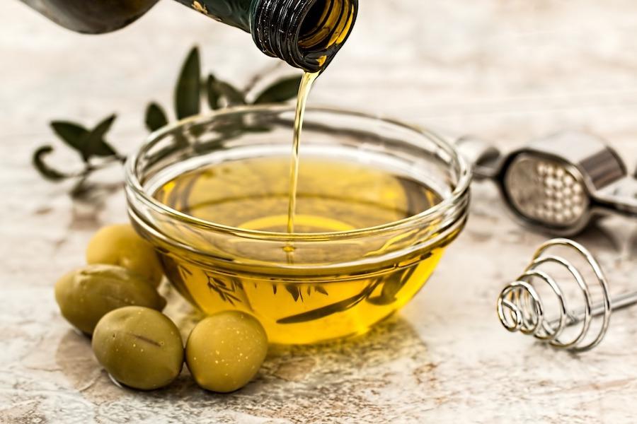 Połowa oliwy z oliwek sprzedawanej we Francji nie jest zgodna z informacjami na etykietach