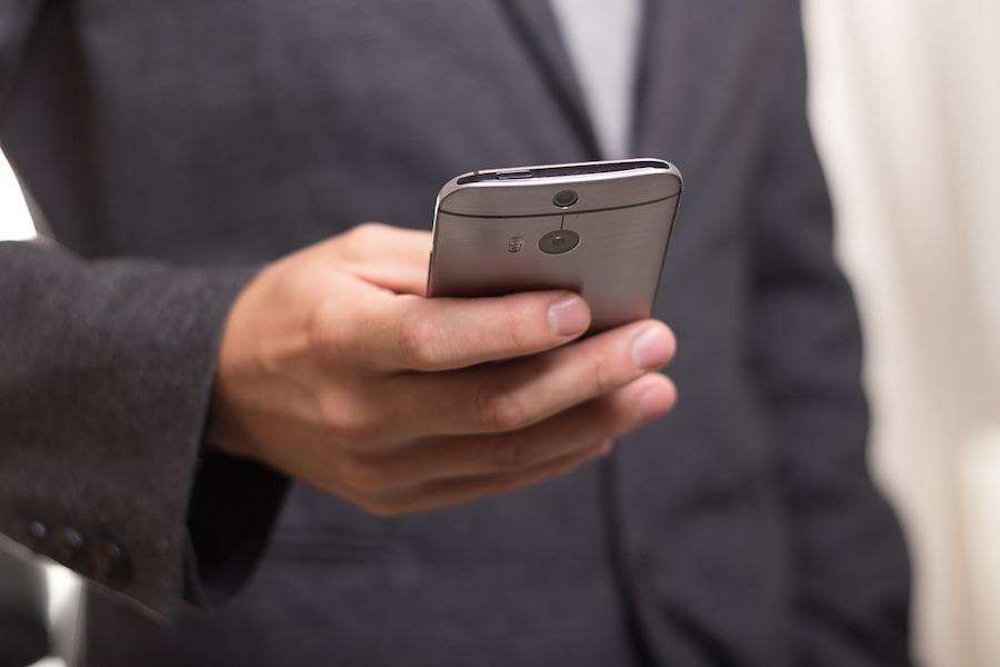 Parlament zaakceptował aplikację do śledzenia zakażonych koronawirusem