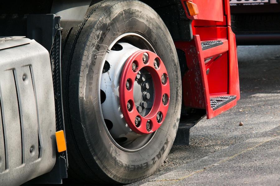Francja zamierza wprowadzić winiety dla zagranicznych ciężarówek