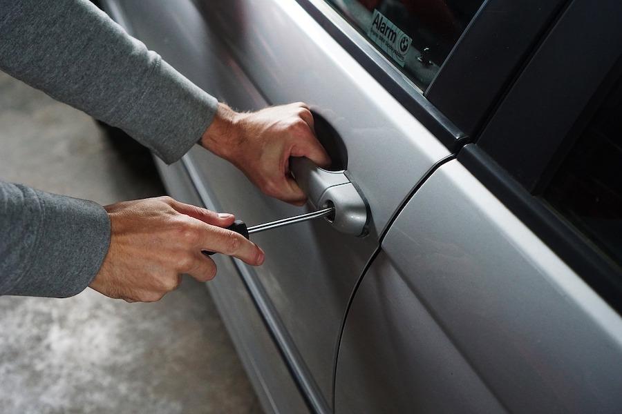 Najczęściej kradzione i niszczone samochody we Francji