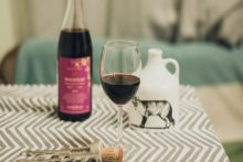 Czas na młode wino beaujolais!