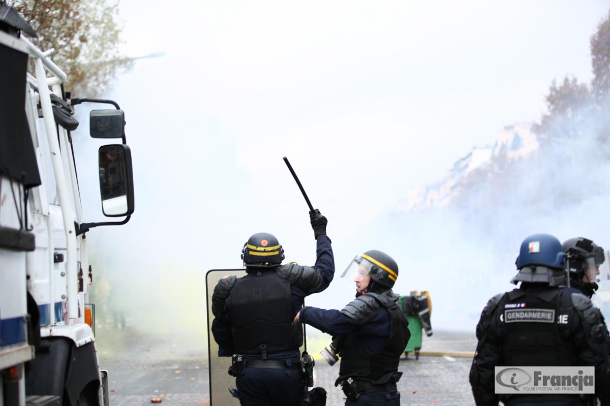 """Sobotni protest """"żółtych kamizelek"""": Użycie """"nadzwyczajnych środków"""" i mobilizacja 89 tys. policjantów"""