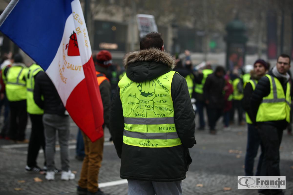 """Manifestacje """"żółtych kamizelek"""" – akt VI"""