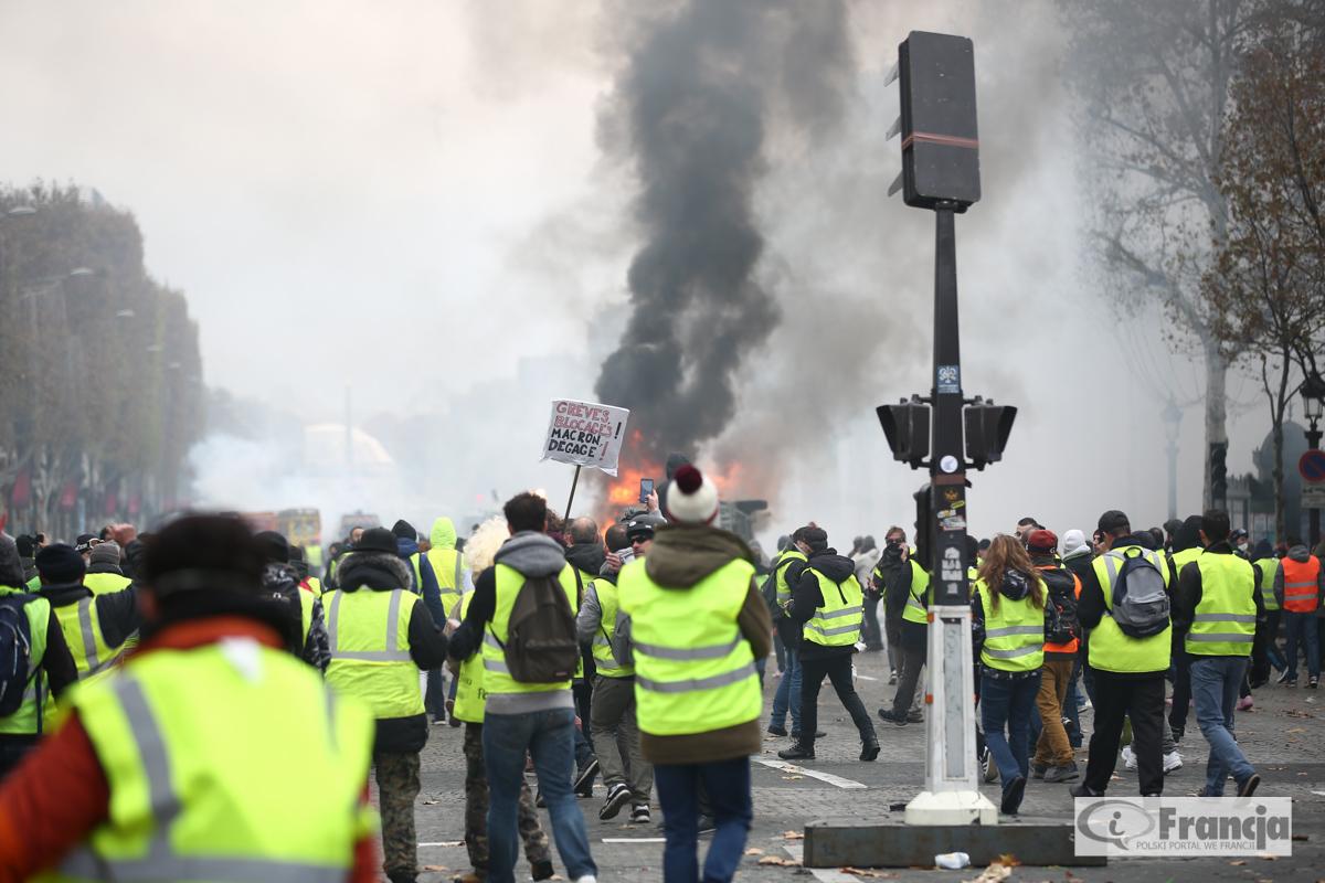"""Premier Francji przeciwny amnestii dla skazanych """"żółtych kamizelek"""""""