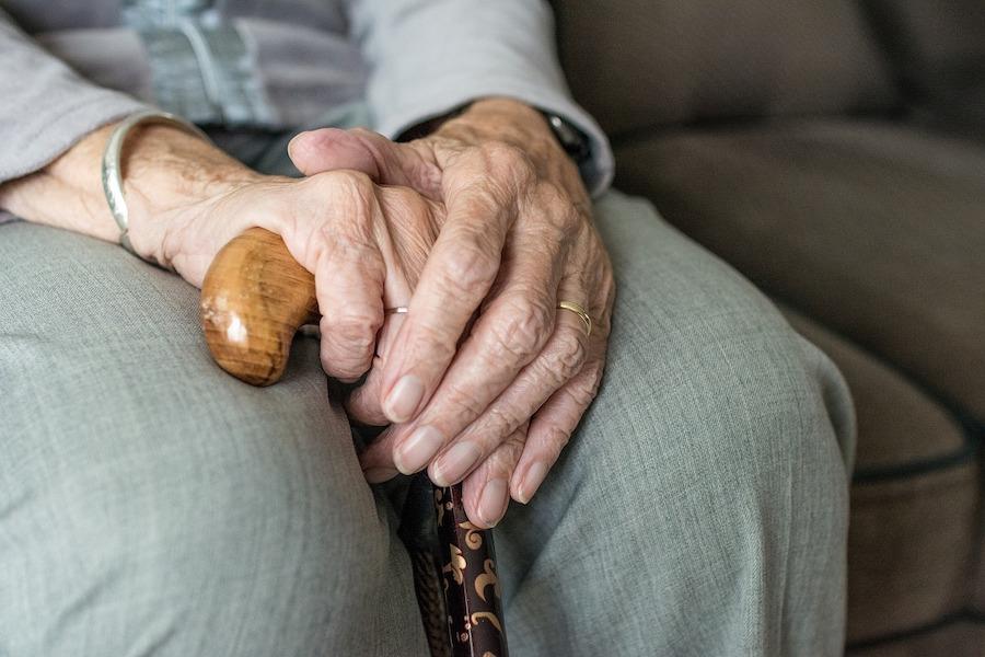 Spowolnienie wzrostu długości życia we Francji