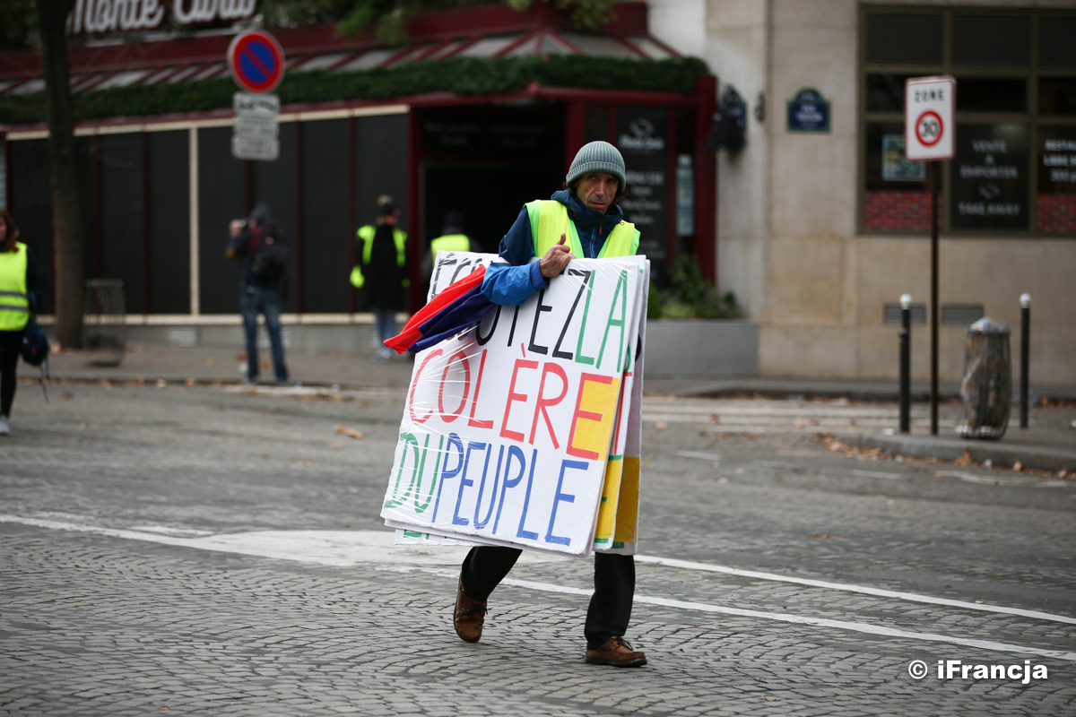 """Wstrzymane i odroczone reformy z powodu protestów """"żółtych kamizelek"""""""