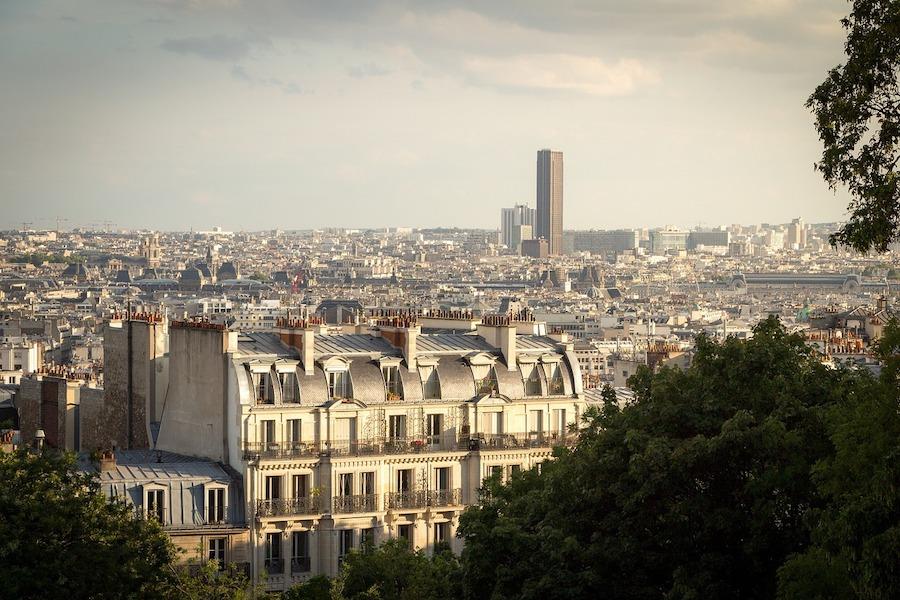 Wzrost liczby ludności w całym regionie Ile-de-France, z jednym wyjątkiem