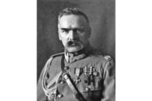 Projekcja sztuki o marszałku Józefie Piłsudskim w Muzeum Armii w Paryżu