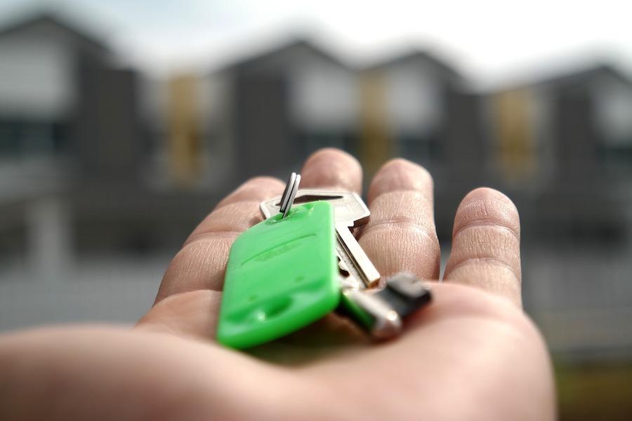 Uruchomiono serwis do zgłaszania dyskryminacji przy wynajmie mieszkania w Paryżu