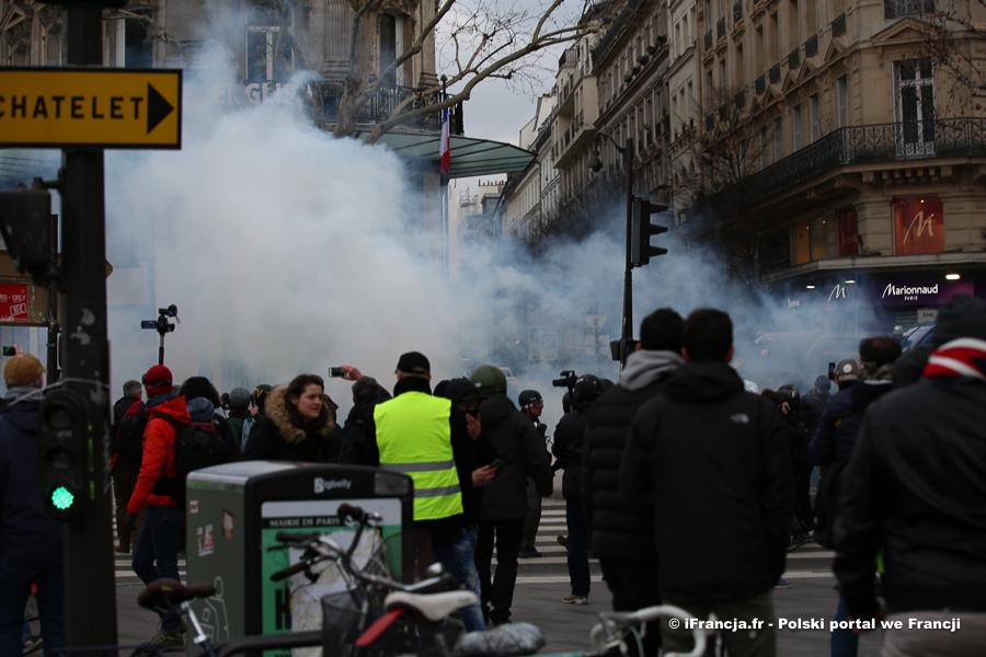 """Manifestacje """"żółtych kamizelek"""" – akt XII"""