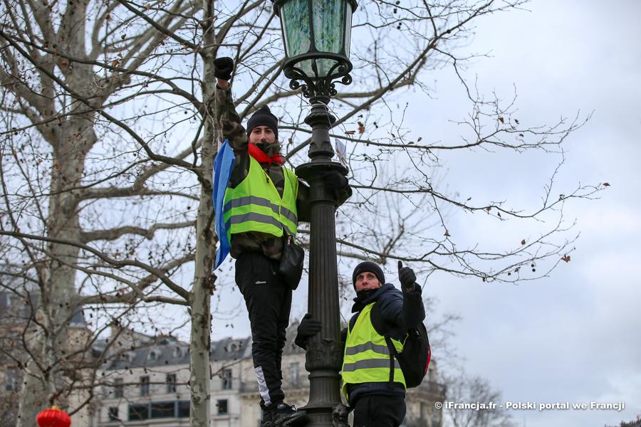 """Manifestacje """"żółtych kamizelek"""" – akt XXI"""