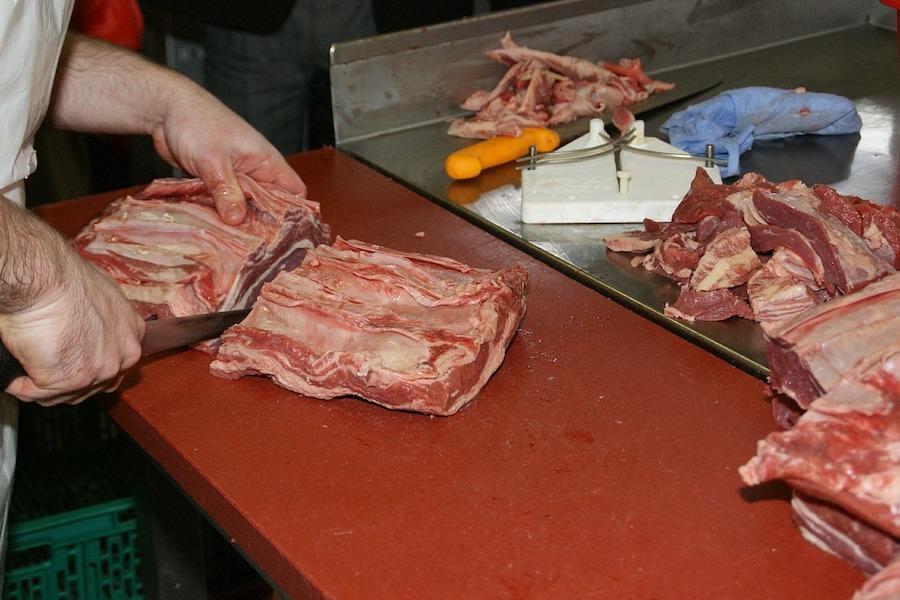 Francja: 150 kilogramów polskiej wołowiny trafiło na talerze konsumentów