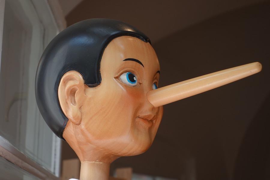 Kłamstwo nie tylko primaaprilisowe – Paryski nie-co-dziennik