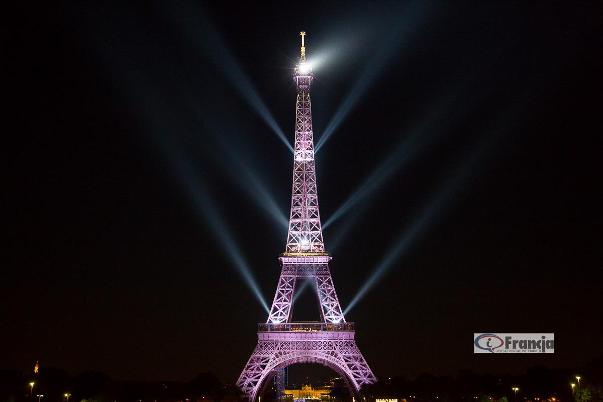 130 lat wieży Eiffla – Pokaz świetlny