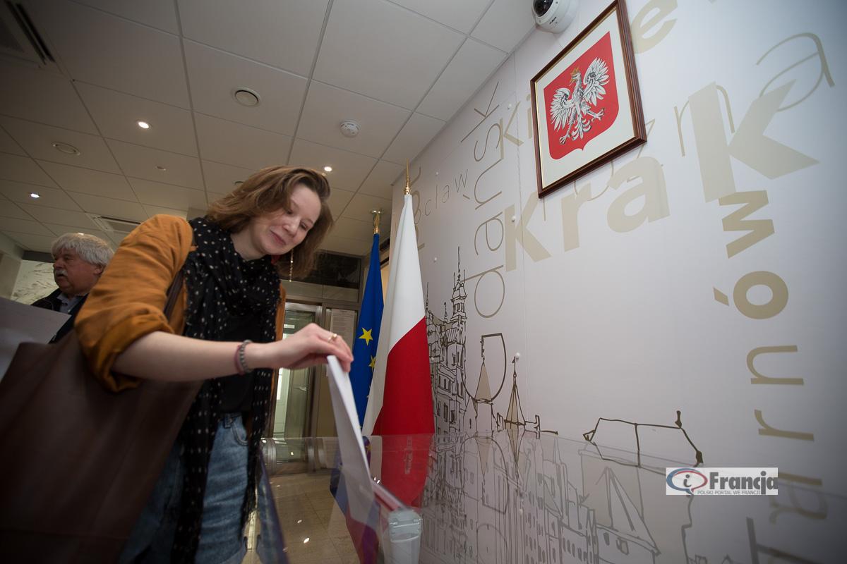 Głosowanie w paryskim okręgu konsularnym w wyborach do Sejmu i Senatu Rzeczypospolitej Polskiej w 2019 r.