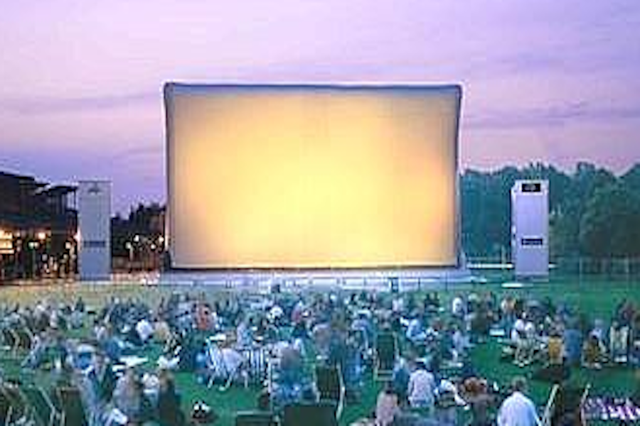 Kino plenerowe w parku La Villette