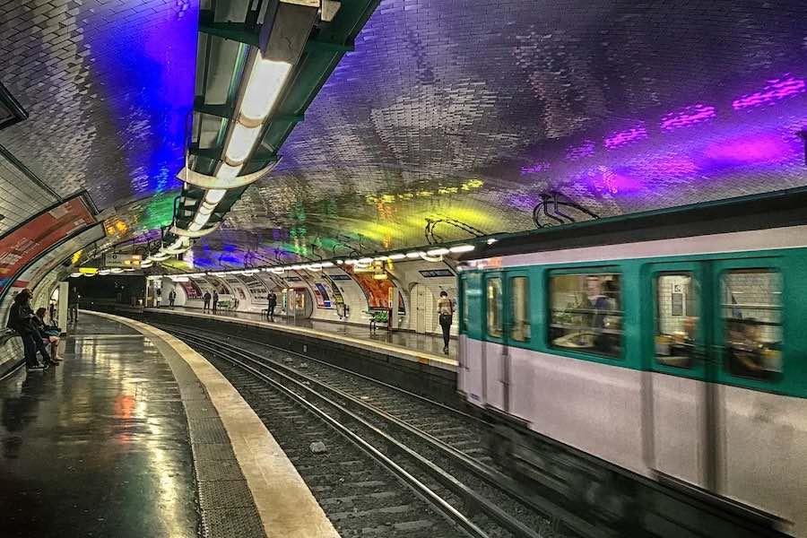 Darmowa komunikacja miejska w Paryżu dla paryżan w wieku poniżej 18 lat