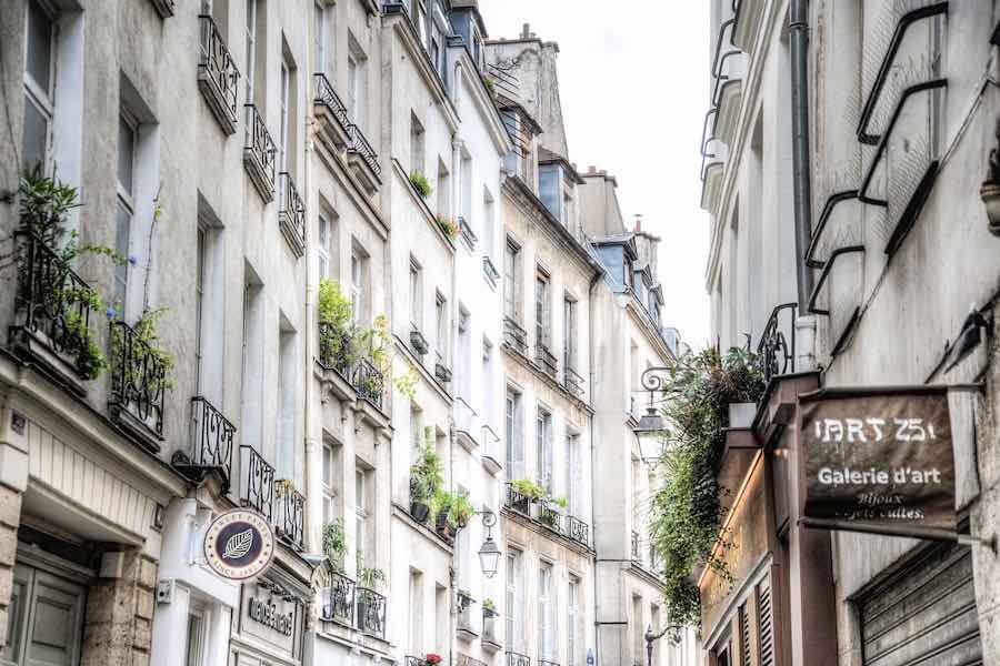 Symfonia na jedną nutę i długie milczenie – Paryski nie-co-dziennik
