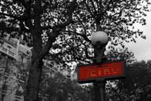Zamknięte stacje paryskiego metra w poniedziałek
