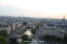 Cicha moc – Paryski nie-co-dziennik