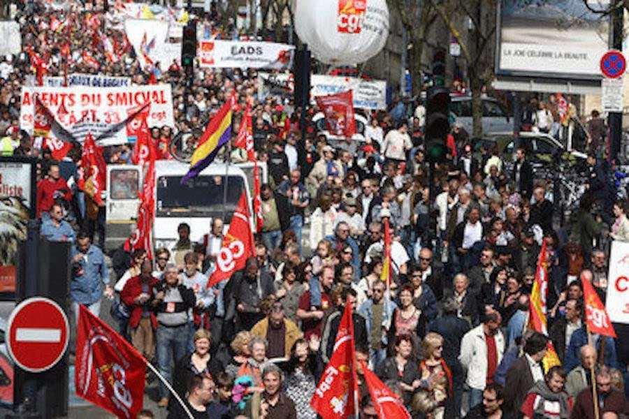 Manifestacja przeciwko reformie emerytalnej w Rennes.