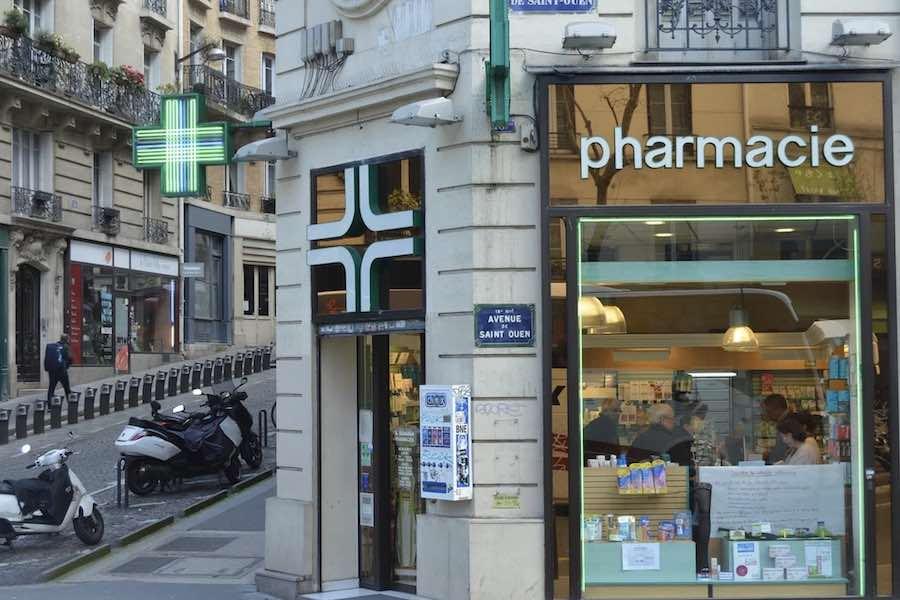 Akty przemocy wobec aptekarzy i pracowników przeprowadzających szczepienia