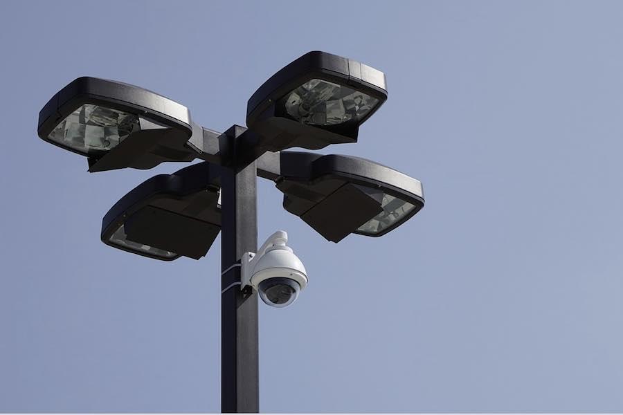 Kamery na stacji Châtelet wykrywające pasażerów bez masek