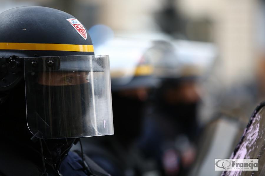 Demonstracja policjantów w Nantes przeciw przemocy wobec sił bezpieczeństwa