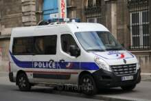 Policjantka pchnięta nożem w Rambouillet, napastnik zastrzelony