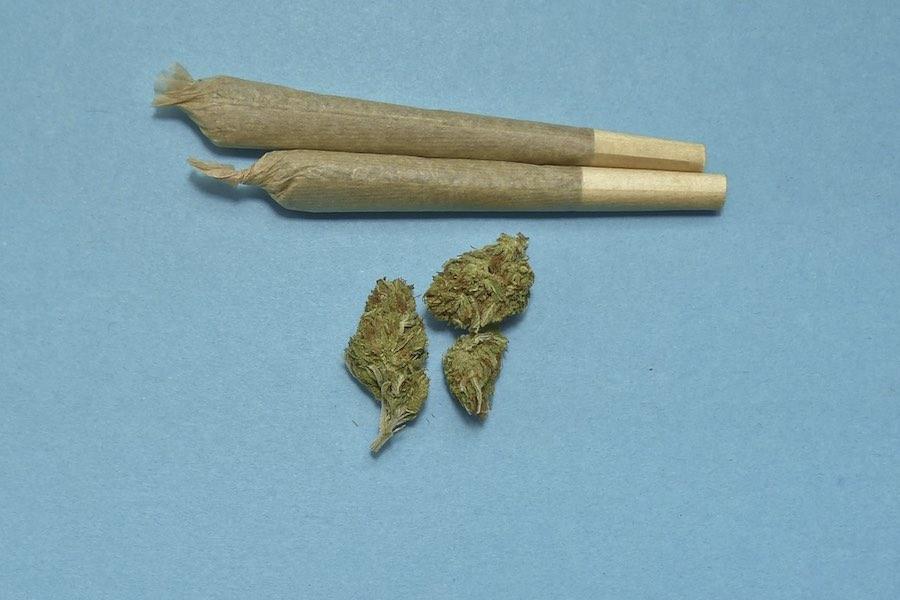 W czterech miastach wprowadzono karę grzywny za zażywanie narkotyków