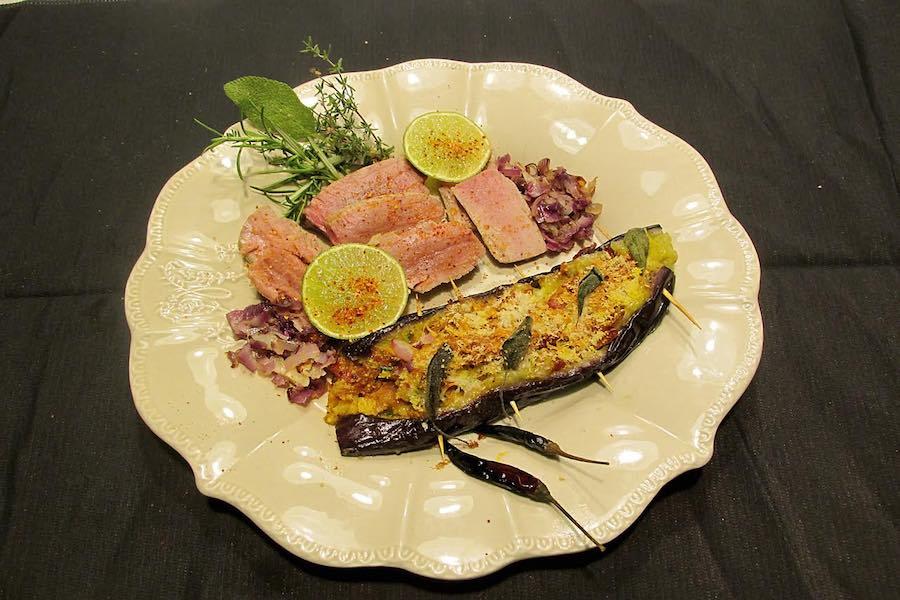 Tuńczyk, bakłażan, wino zakonników i Korsyka