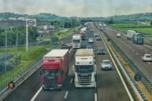 Federacja Transportu Drogowego: fatalna sytuacja kierowców ciężarówek w Wielkiej Brytanii z powodu blokady