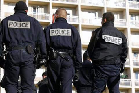 Policja zastrzeliła nożownika krzyczącego Allahu Akbar