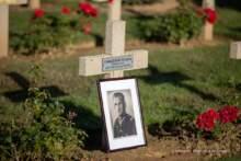 Odsłonięcie tabliczki imiennej na nagrobku kaprala Ryszarda Chaniewskiego