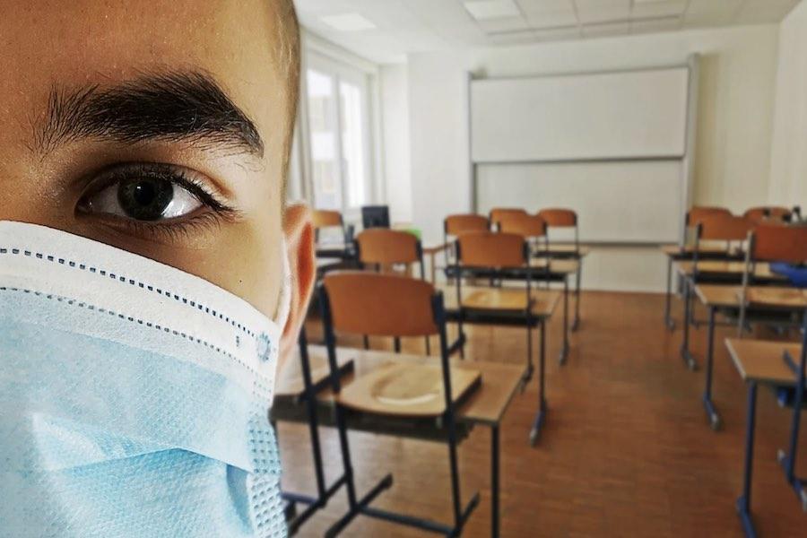 Minister edukacji: maseczki w szkołach obowiązywać będą wszystkich dorosłych