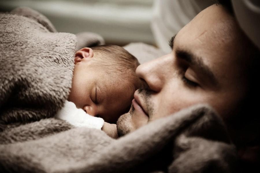 Od 1 lipca urlop ojcowski zostaje wydłużony do łącznie 28 dni
