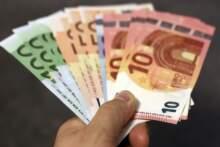 Bank centralny skorygował prognozę spadku PKB z 10,3 proc. do 8,7 proc.